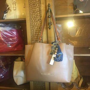 Dooney & Bourke Large City Flynn shoulder bag